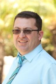 Доктор Дан Декель, стоматолог, ведущий специалист стоматологической клиники Гордон-Дентал