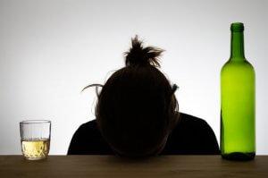 Какой объем спиртного повышает риск развития рака?